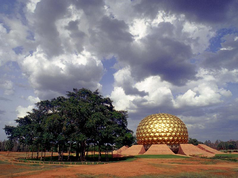 11._matrimandir_cloud.jpg